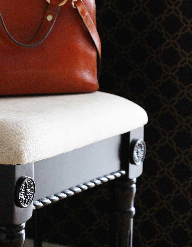 detail-stool.jpg