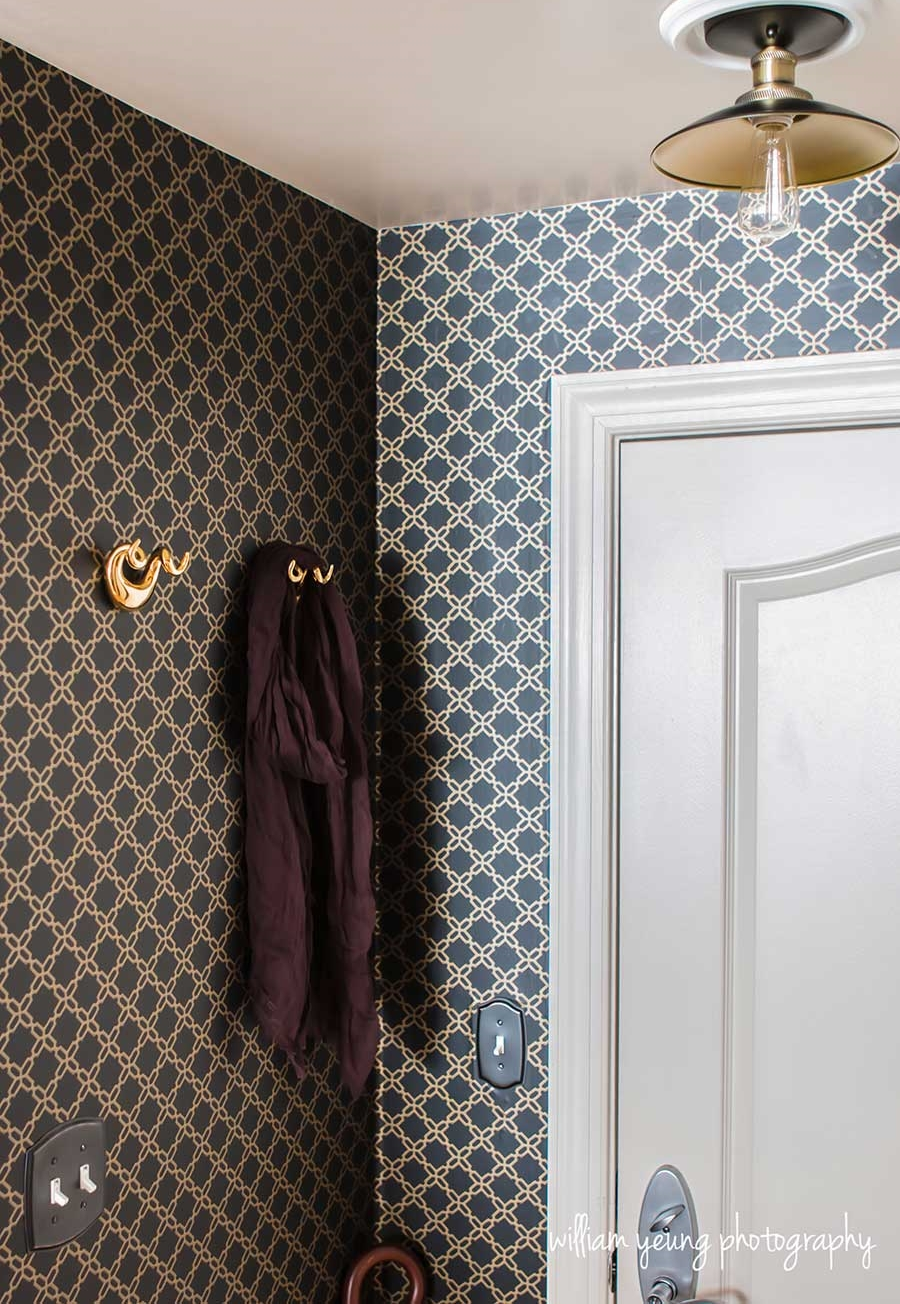 chic-glam-entryway-wallpaper-small-space-splendor-styling.jpg
