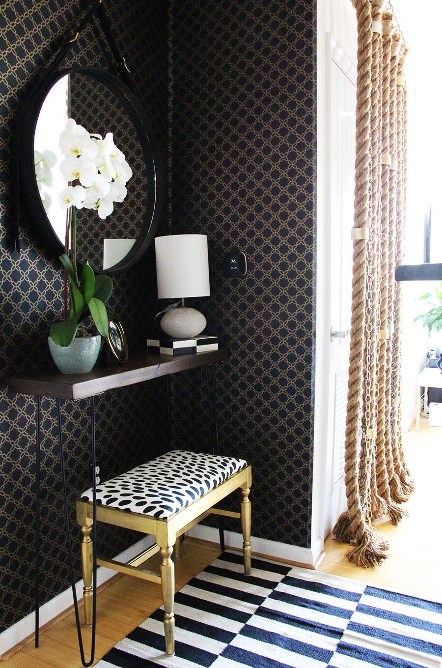 small-corner-decor-entryway-apartment-mirror.jpg
