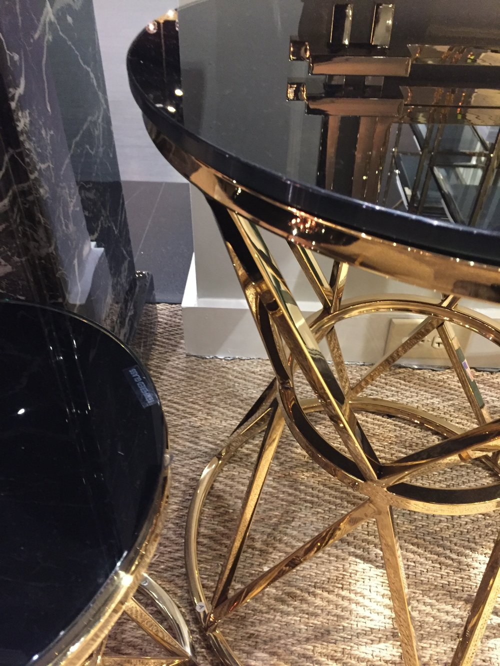 BLACK MARBLE & GOLD - glam accent piece and acrylic surface that looks like black marble. Just perfect! Anywhere. Find it at Eichholtz
