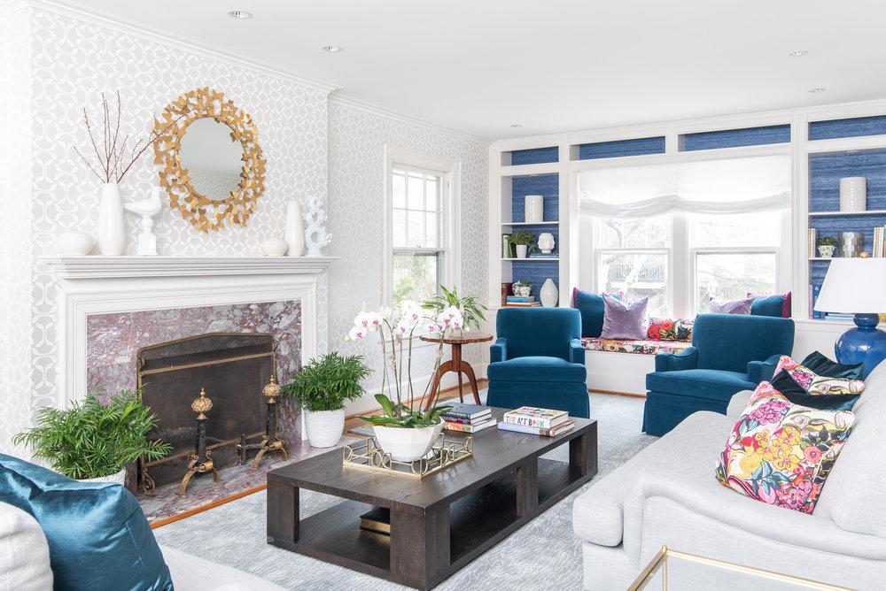interior-design-dmv-washington-dc-classic-elegance-decoration-blue-living-room-mariella-cruzado-splendor-styling.jpg