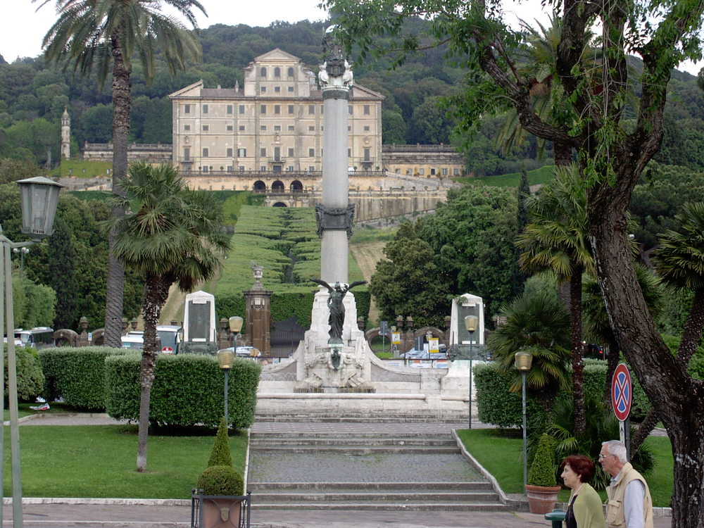 FRASCATI   Frascati is naturally known for their great wines - but Frascati is much more than that. Here you find great shopping, nice bars and many restaurants. In the summer there is plenty of opportunities to sit outside for dinner with a great view of Rome.