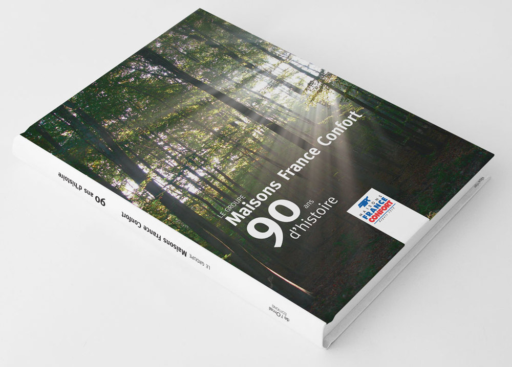 01_BOOK-MOCK-UP01.jpg