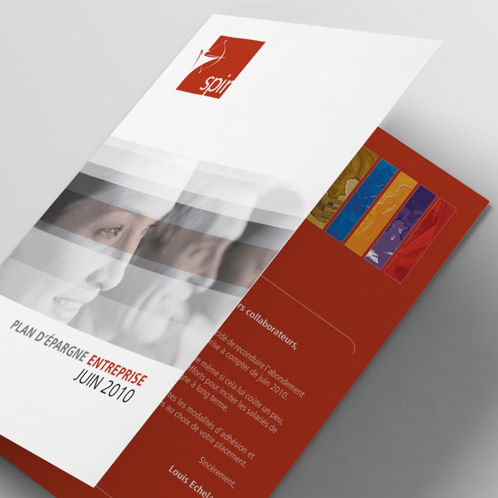 Bifold-Brochure-Mockup-Livret02.jpg