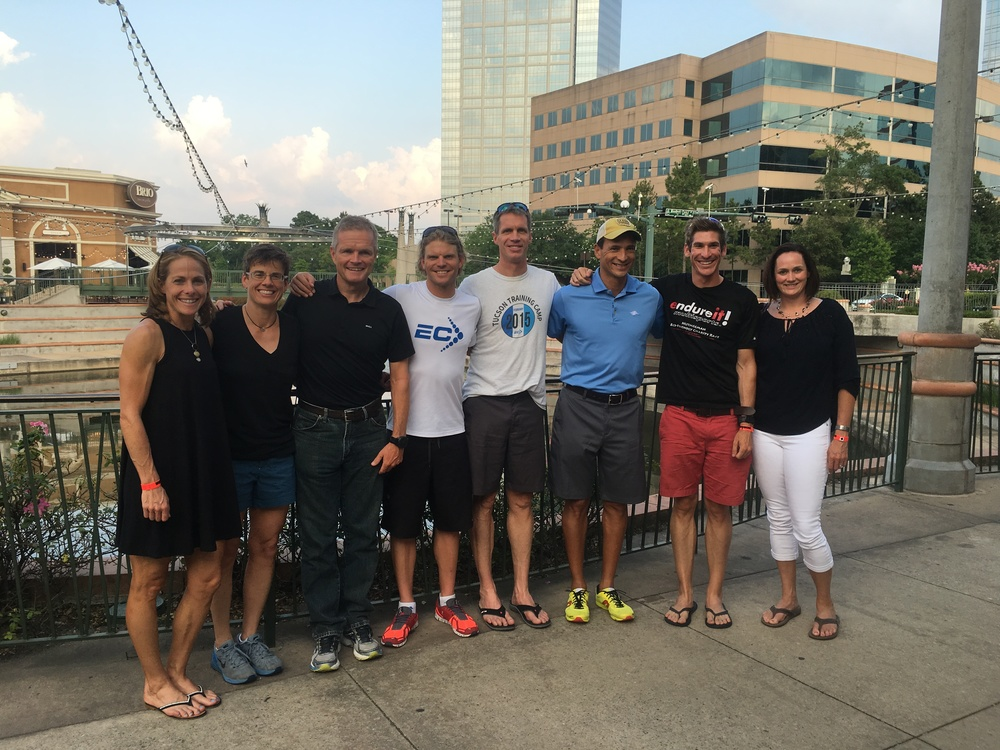 Since 2012, the EC crew has met up for a pre-race dinner on Thursday evening. It was great to catch up with everyone and get some good energy.