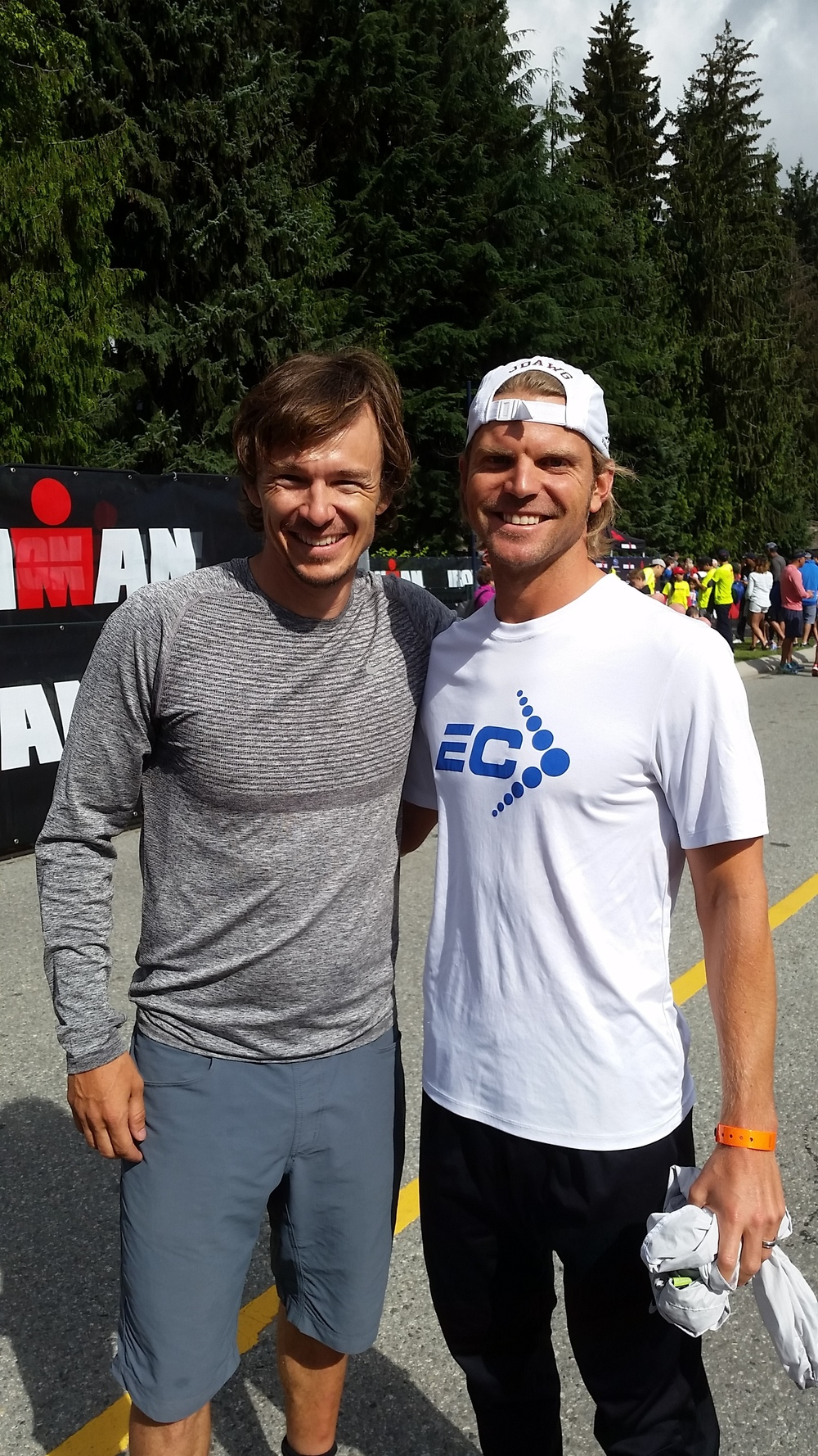Simon Whitfield, two-time Oly Medalist including gold in Sydney, joined the Ironkids run on Saturday. It was a pleasure to meet one of the sport's greatest athletes.
