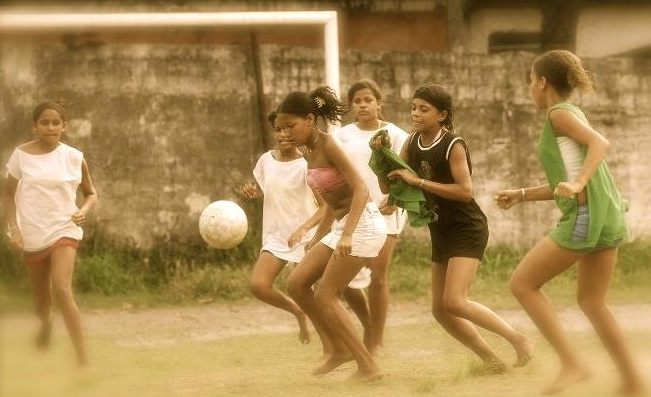 girlsFutbol.jpg