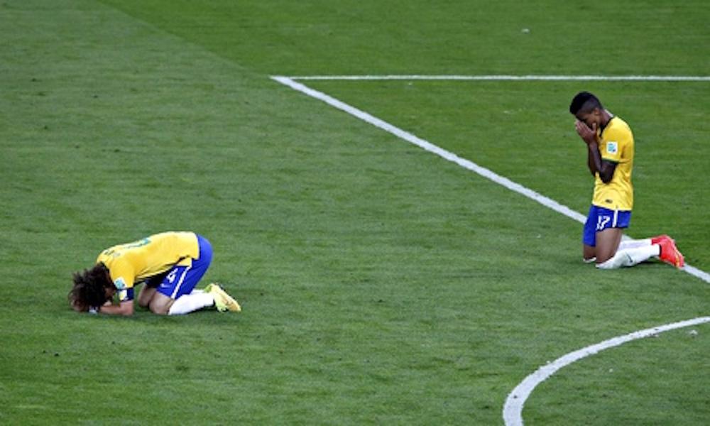 Brazils-David-Luiz-left-a-011.jpg