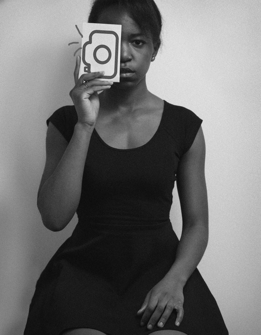 My name is Imani - I love light, I love colors, I love mood.I am currently based in Berlin.