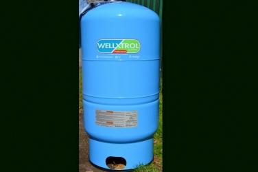 Cold Water Storage Tanks & Cold Water Storage Tanks u2014 Calvin E. Powell Drilling and Services Inc.