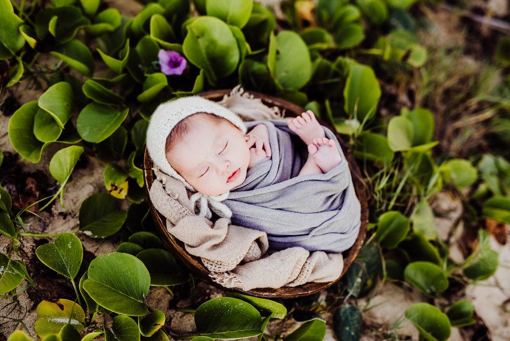 Walters Newborn.jpg
