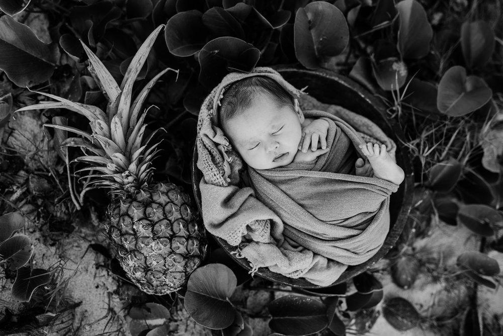 Walters Newborn-10.jpg