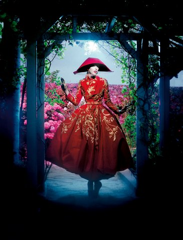 John Galliano, Dior Haute Couture, Fall 2007.Photo: Ali Mahdavi