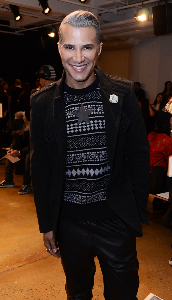 Jay Manuel rocking his silver burlap Fleur by Fleur'd Pins to The Blonds FW15 runway show