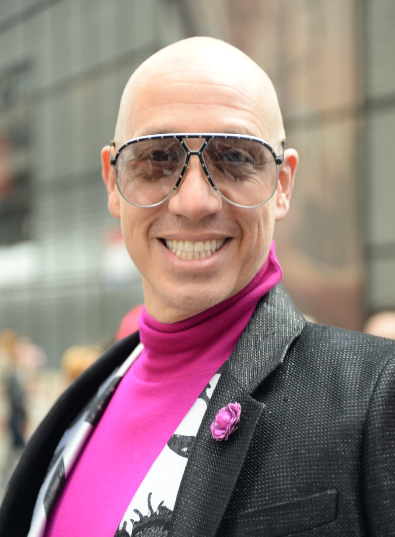 Robert Verdi wears Fleur'd Pins Fuschia Lizard Gallica Rose by Fleur'd Pins at the 2018 Easter Parade in NYC - photo by Andrew Werner.jpg