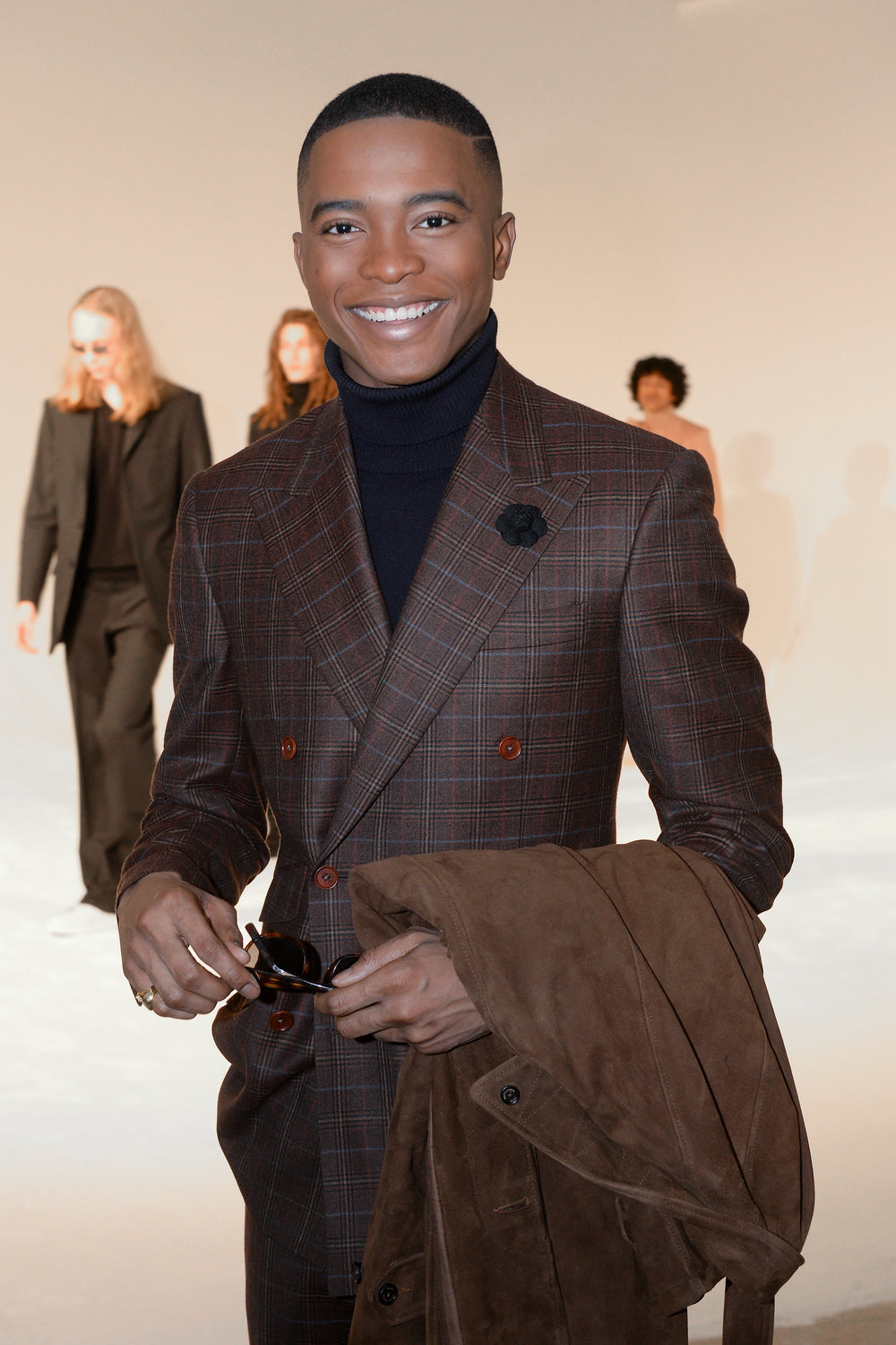 Igee Okafor wears Fleur'd Pins' Black Cashmere Jerry Rose at NYMD FW19 2.4.19 - photo by Andrew Werner, AHW_8772.jpg