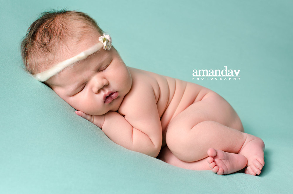 best newborn photographer in Kelowna