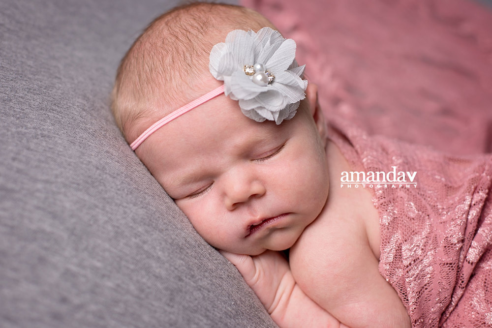 Kelowna newborn photographer
