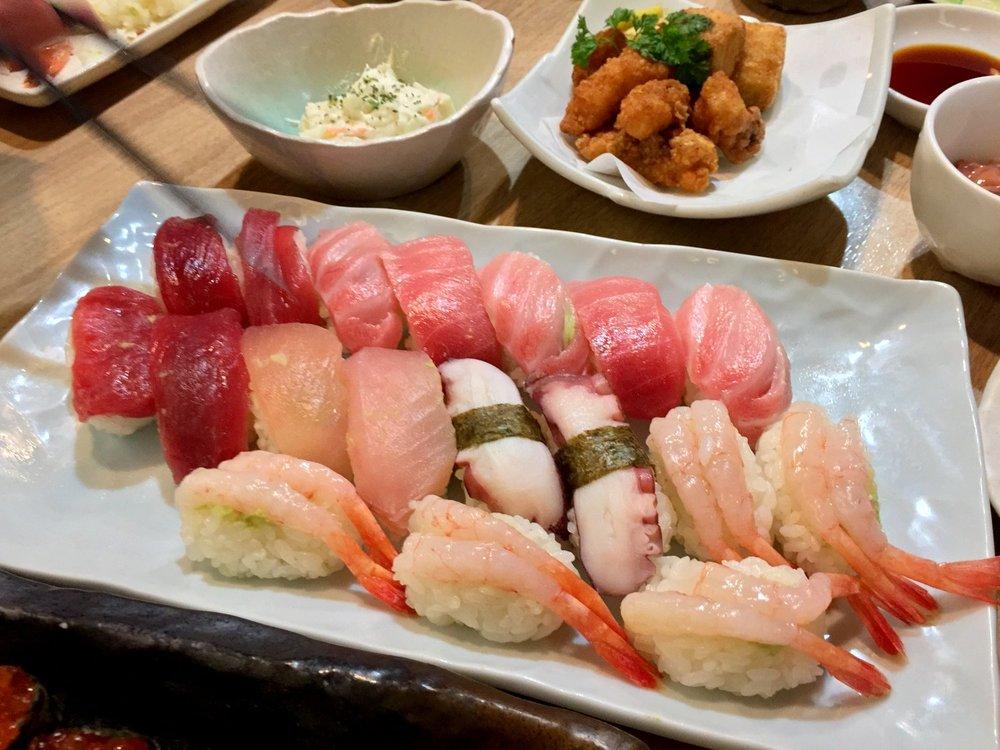 Kagurazaka Sushi Academy, Tokyo, Japan (11).jpg