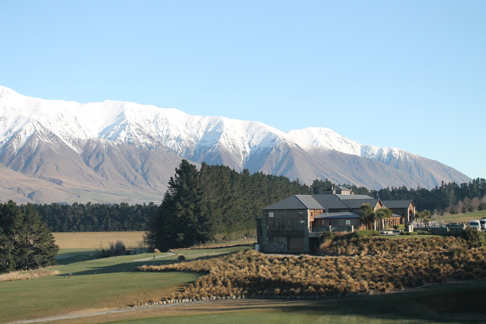 High-end accommodation for our ski hosting and heliski clients at Terrace Downs, Canterbury.