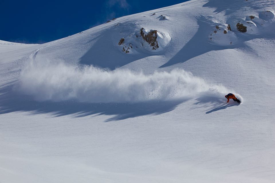 Heli-skiing in the Arrowsmith Range, Methven Heli, photo Kevin Boekholt.