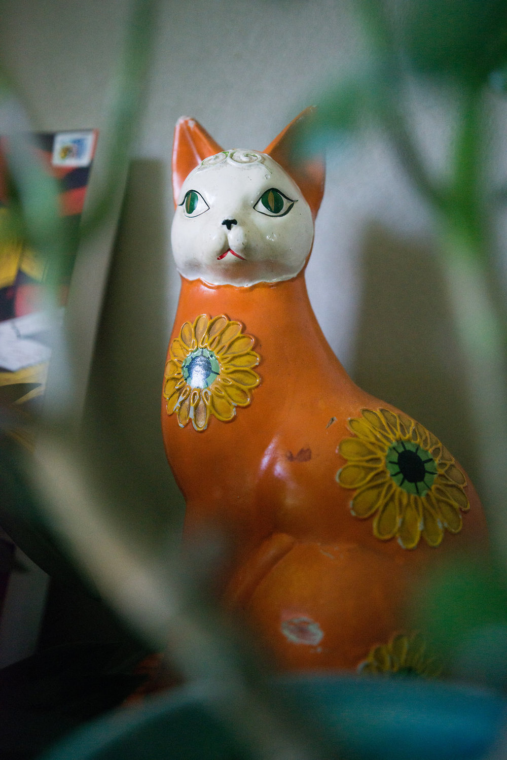 The papier mache cat that Rob bought for me for Mother's Day.
