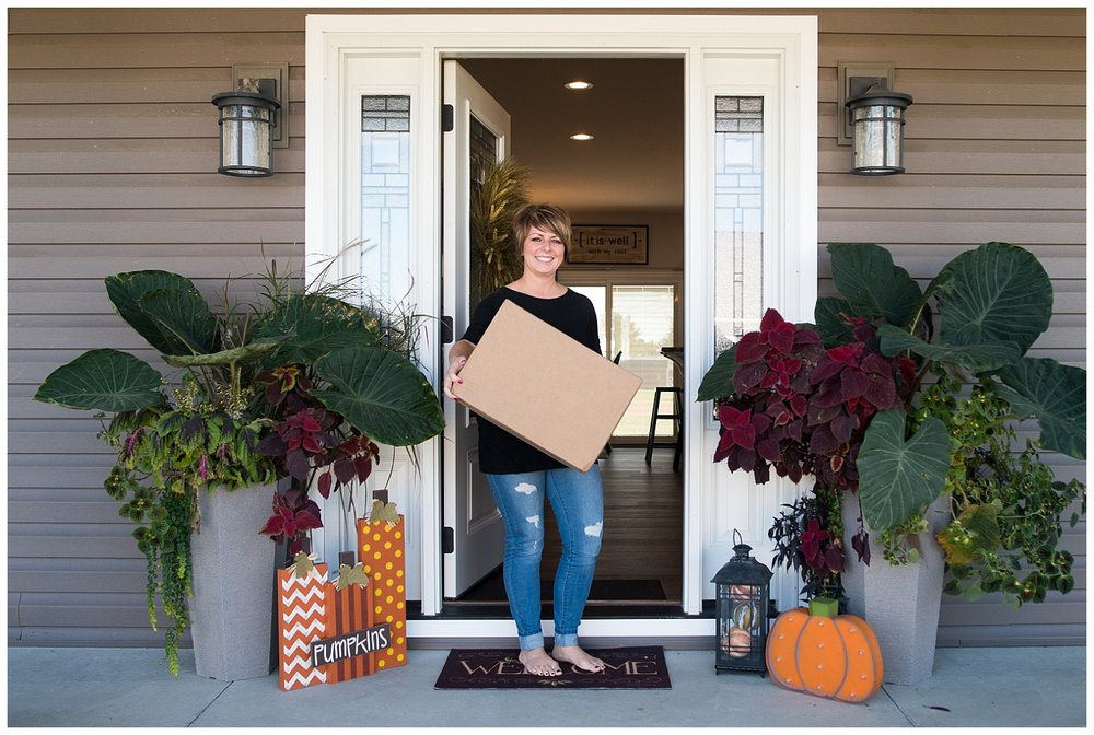 Here's Elizabeth receiving a package from Magnolia Farms. The All is Well sign came from there and the ladies all visited the actual store when they were in Texas on a buying trip. Lucky ladies.