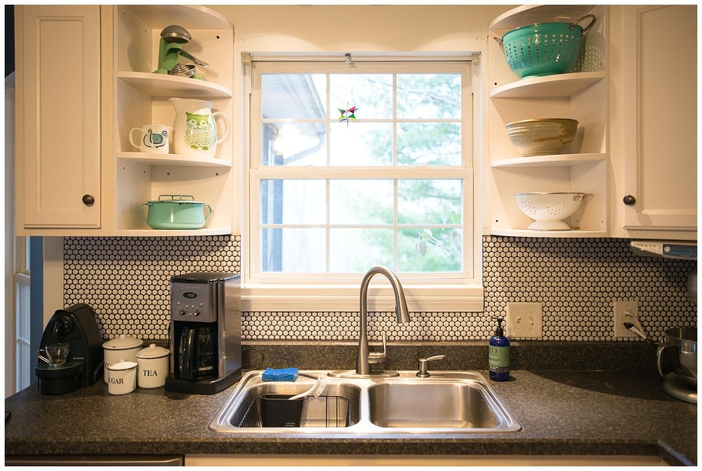Helen isn't afraid of a little DIY.  She replaced her own garbage disposal and installed the backsplash herself.