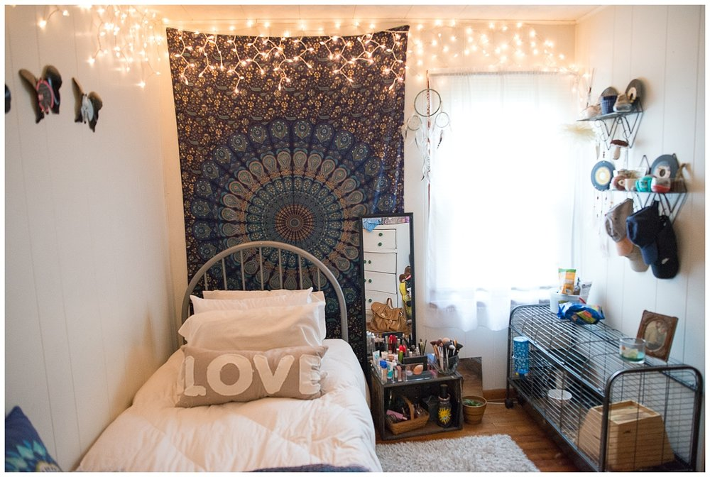 Hannah's room – I could totally live here.  By simply peeking into this room you get a feel for Hannah's personality – cool and carefree.  The Dream pillow came from Fresh Digs.  Her dad makes the record butterflies.