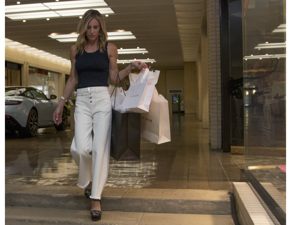Amy shopping 2.jpg