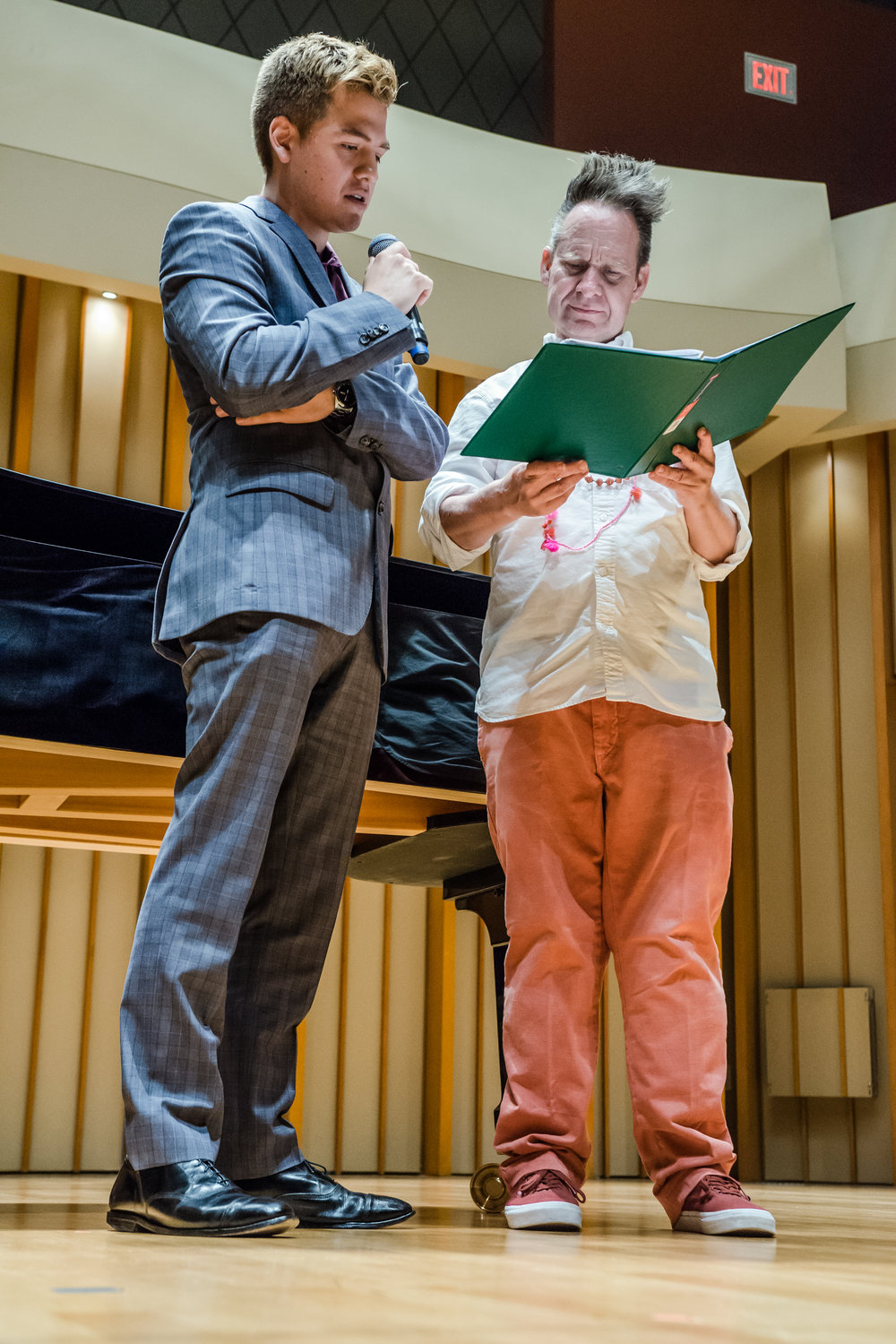 Studio Artist Cristobal Arias working with Peter Sellars in a master class.