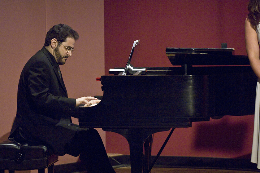 Liza Stepanova, piano