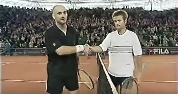 Agassi vs. Santoro - Hamburg, 2001