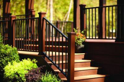 Reveal® Railing in Charcoal black with Trex® posts in Vintage Lantern