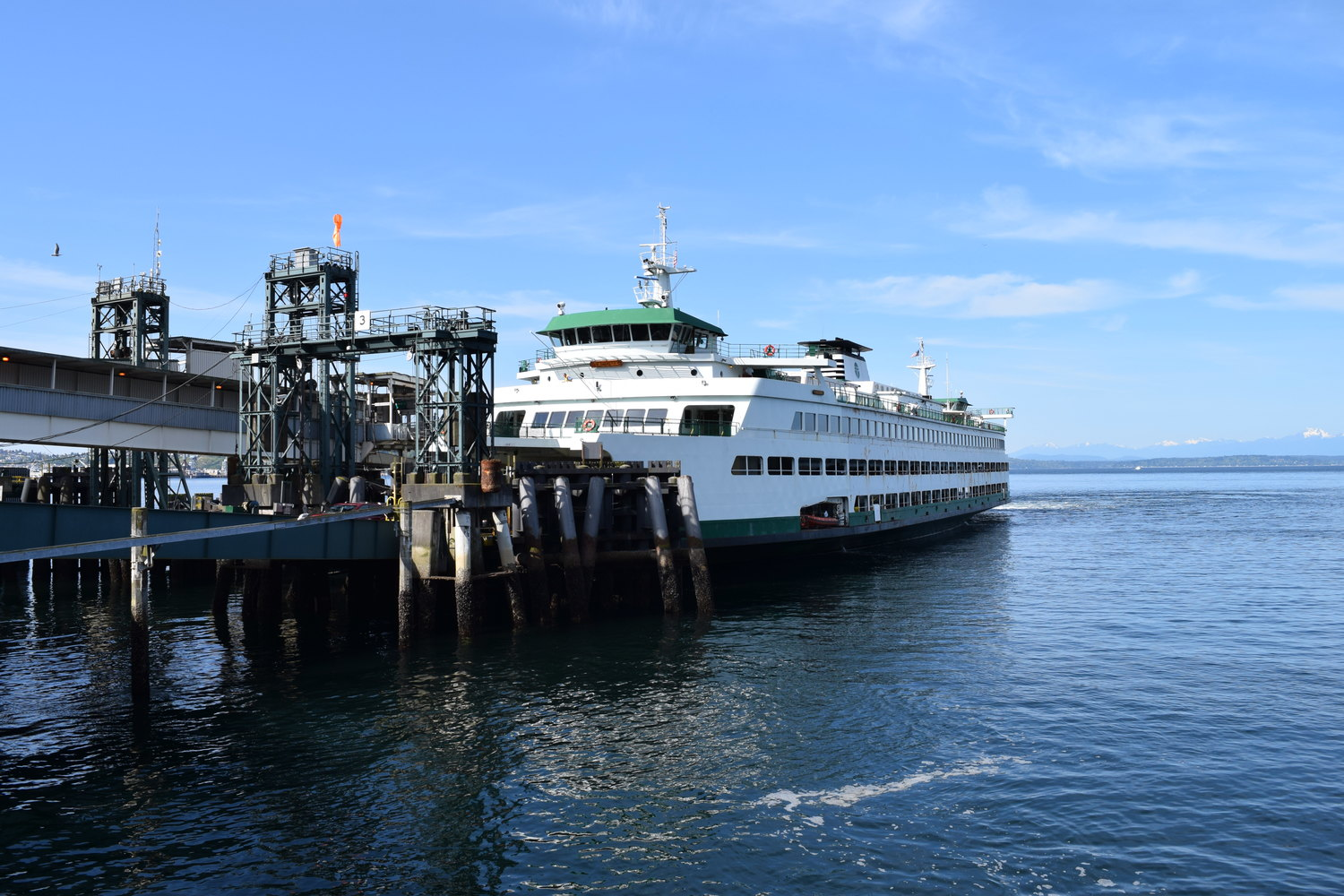 seattle ferries - olympic hiking co.