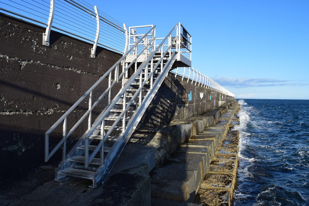 8a - breakwater.jpg