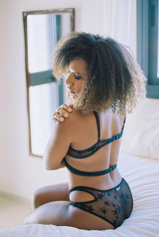 Rebecca Sigala Boudoir_0010.jpg