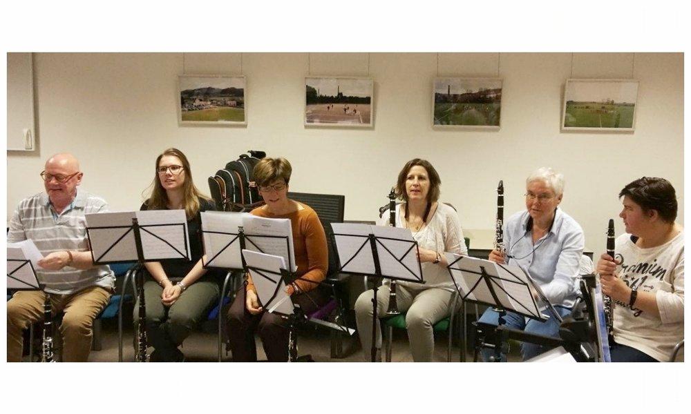 """Klarinetworkshop voor de klarinetsectie van de Koninklijke Rotterdamse Post Harmonie (KRPH) mei 2017:  """"Héél leuk, gezellig en leerzaam, ervan genoten!"""" """"Voor herhaling vatbaar. I´m in!!!"""""""