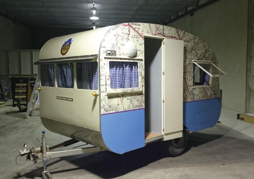 caravan-3.jpg