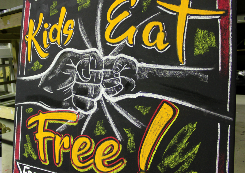 kids-eat-free.png