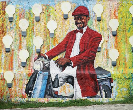 Cucharimba, a famous magician from Santiago / Cucharimba, un famoso mago Santiaguero - Ave. Las Carreras frente al parqueo del Monumento