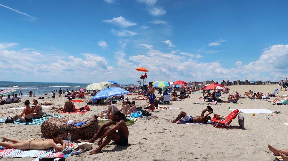 holarita-rockaways-beach