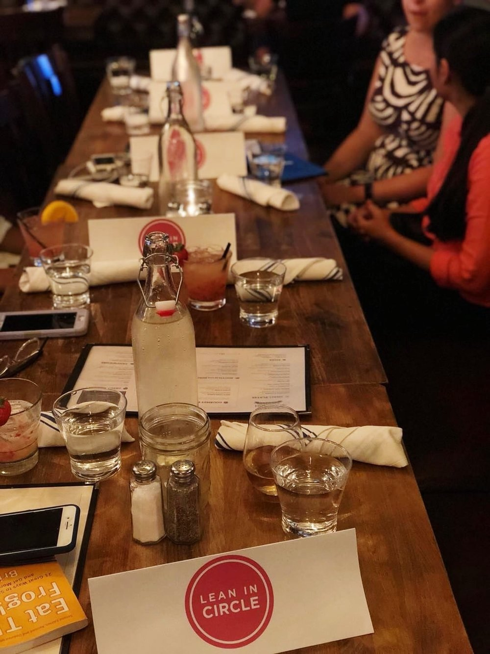 hoboken_leanin_table