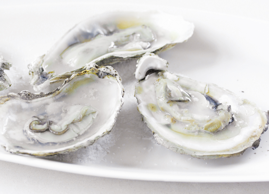 oysters-with-pink-peppercorn-mignonette.jpg