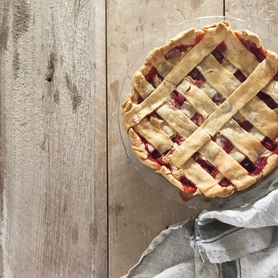 reader-recipe-strawberry-rhubarb-pie.jpg