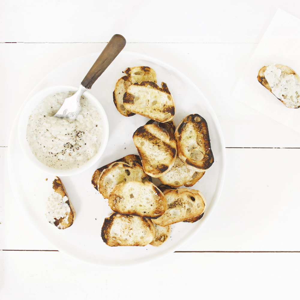 grilled-onion-dip-baguette.jpg
