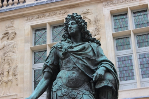 Louis XIV, an original statue that survived the Revolution!