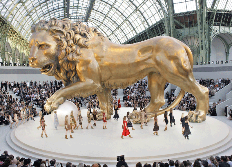 ThenComesColor_ChanelMacarons_Leo_lion_runway.png