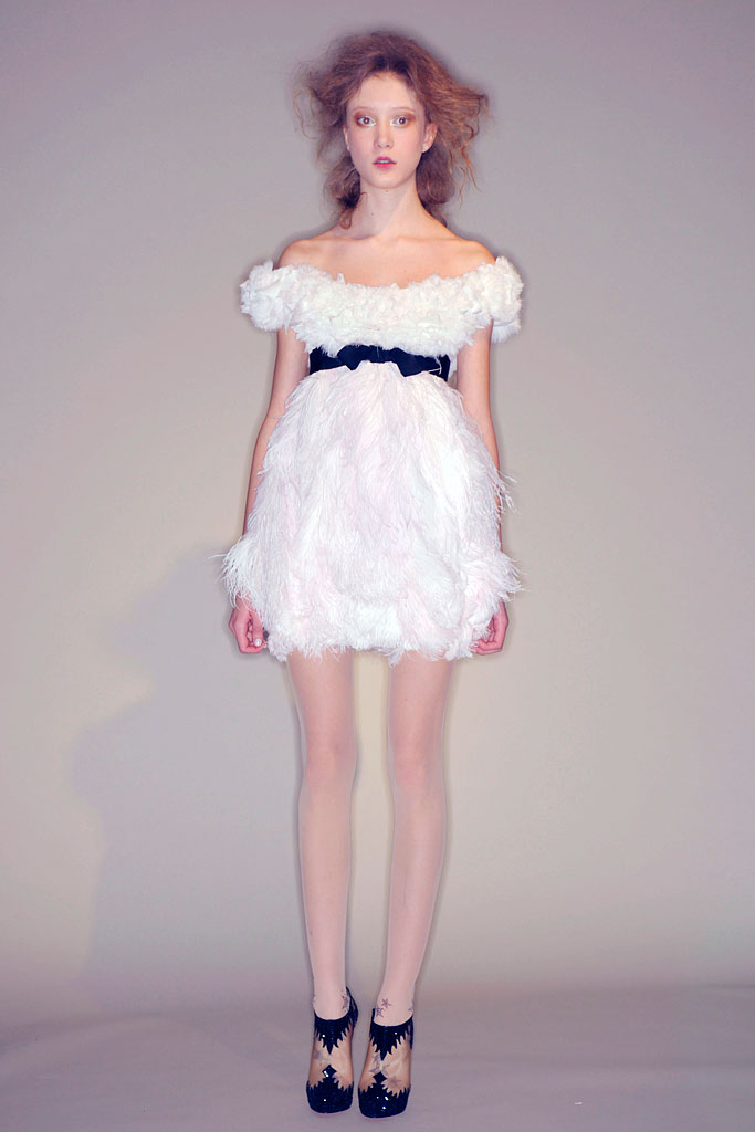 ThenComesColor_WhiteSwan_FeatherDress_inspiration4_Marchesa.jpg