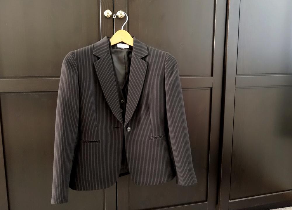 ThenComesColor_DressForSuccess_suit.jpg